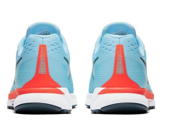 6aca1bf837 A nova versão de um dos modelos mais famosos da marca, traz duas cápsulas  de Nike Air Zoom: uma na parte frontal e outra no calcanhar, revestida com  espuma ...